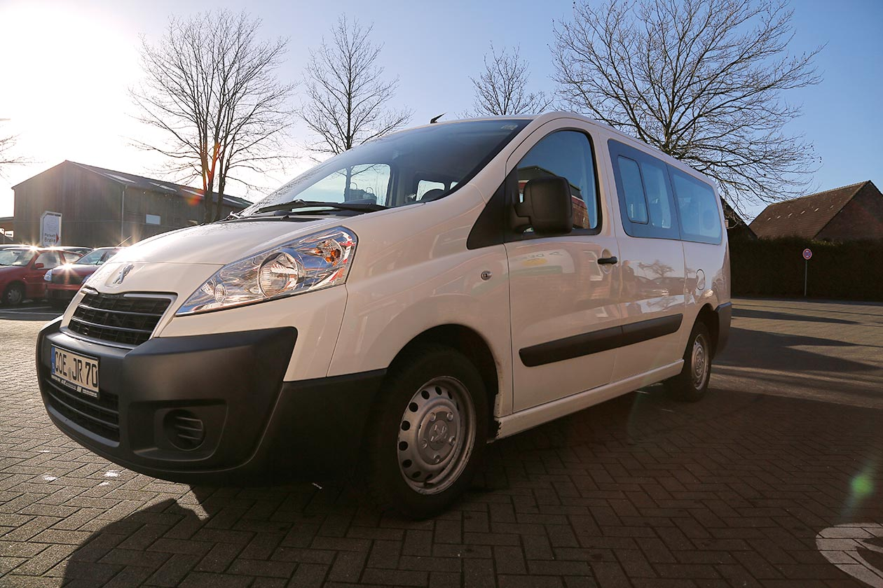 kleinbus mieten bei asr autovermietung asr transporter pkw vermietung. Black Bedroom Furniture Sets. Home Design Ideas
