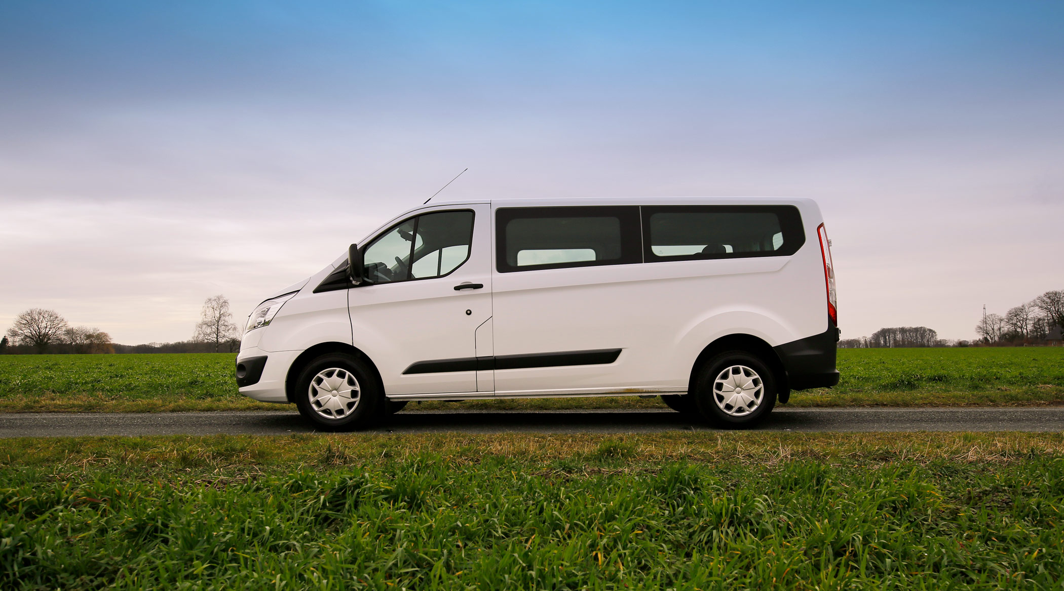 kleinbus online mieten autos transporter mieten. Black Bedroom Furniture Sets. Home Design Ideas